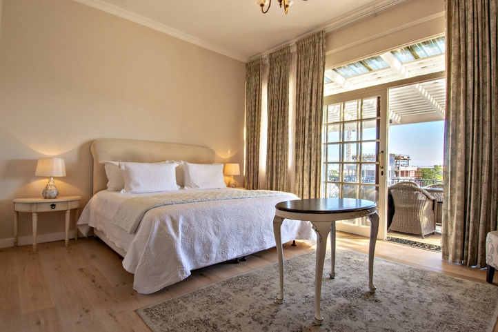 Discounted Accommodation Seapoint Rhonda's Manor